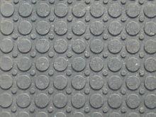 Stájová plastová rohož zámková plná 120 cm x 80 cm x 2,2 cm - poškozená