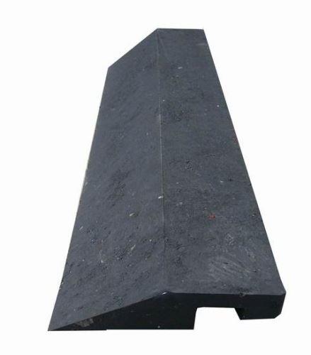 Nájezd nízký s horním zámkem 40 x 10 x 2,2 cm pro stájové plastové rohože