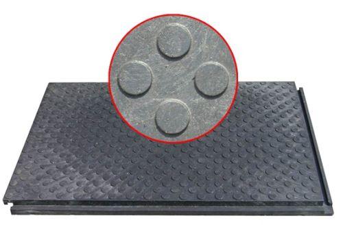 Kvalitní stájová zátěžová plastová rohož plná 120 cm x 80 cm x 4,3 cm pro koně a skot