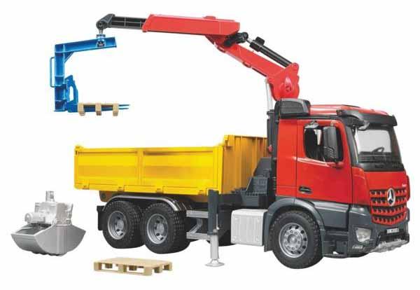 Bruder - stavební nákladní automobil Mercedes-Benz Arocs s jeřábem
