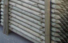 Dřevěný kůl kulatý borový 200 cm průměr 6 cm na ohradu