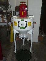 Kladívkový šrotovník na obilí, kukuřici VM 3 kW vertikální, drtič odpadu, kostí, slámy