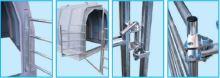 Krční fixace s plastovým žlabem pro ohrádky pro boudy pro hromadný odchov telat La GÉE