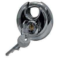 Diskový zámek pro zabezpečení tažného kloubu přívěsu proti krádeži