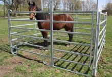 Mobilní box pro koně z ohradních panelů 3 x 3 m