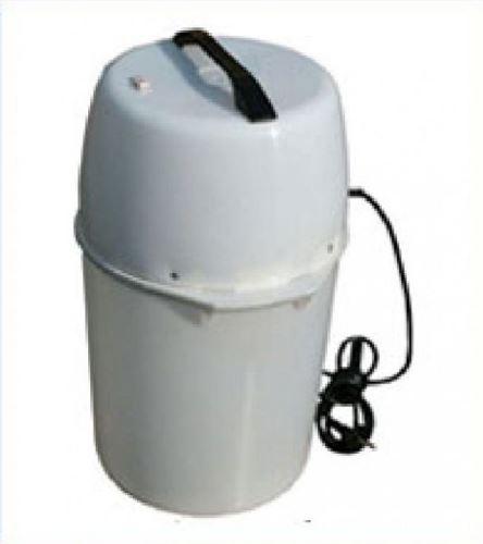 Použitá elektrická máselnice na výrobu másla SALUT plastová 8 l 400 W - výstavní model